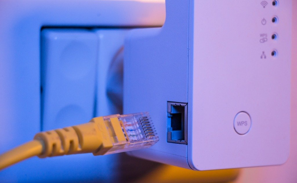 How To Set Up Internet With No Ethernet Wall Port?