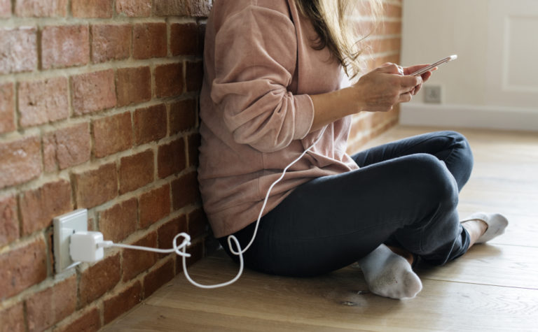 Use Phone While Charging: Bad? (+ Interesting Facts)