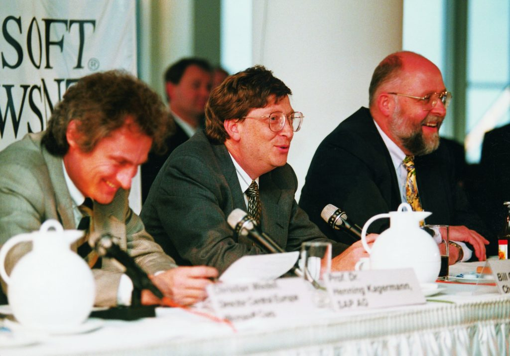 Cooperation with Microsoft in 1994: Henning Kagermann, Bill Gates, Klaus Tschira (from left to right).